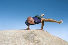 Yoga Eka Pada Koundinyasana II stockbilder