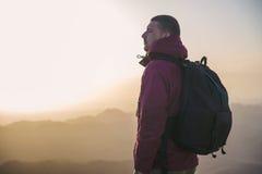 Mann auf einen Berg Lizenzfreie Stockbilder
