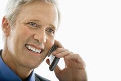 Mann auf Handy. Lizenzfreie Stockfotos