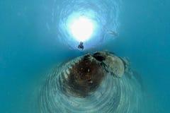 Mann beim Schnorcheln im Meer von 360 Grad Ansichtpanorama stockfoto