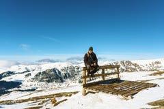 Mann in den Bergen Stockbilder