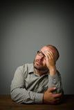 Mann in den Gedanken. Träumer. Stockfoto
