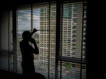 Mann in den Schatten stockfoto