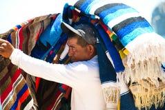 Mann, der Andenken in Cabo San Lucas, Mexiko verkauft Stockfotos