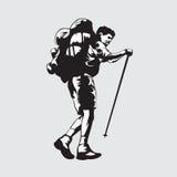 Mann, der auf Berg klettert Stockfotos
