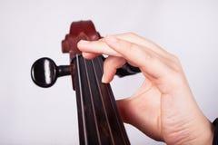 Mann, der auf Cello spielt Lizenzfreies Stockbild