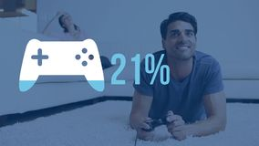 Mann, der Computerspiel mit Gamecontrollerform im Vordergrund spielt stock video