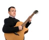 Mann, der eine Gitarre spielt Stockbilder