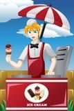 Mann, der Eiscreme verkauft Stockfoto