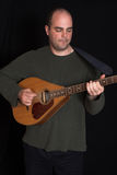Mann, der guitare spielt Stockbilder