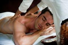 Mann, der Massage hat stockbilder