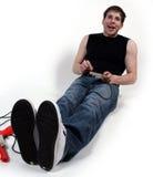 Mann, der Videospiele spielt. Lizenzfreies Stockfoto
