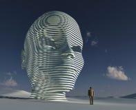Mann, der vor großem mystischem Kopf steht Stockfotos