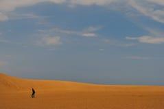 Mann in der Wüste Stockfoto