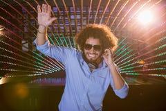Mann DJ, der Musik spielt Stockfotos