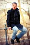 Mann in einem Mantel Stockbilder