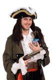 Mann in einem Piratenkostüm mit kleinem Hund Lizenzfreie Stockbilder