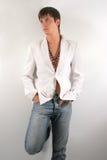 Mann in einer weißen Jacke stockbilder