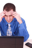Mann frustriert mit Arbeit Stockfoto