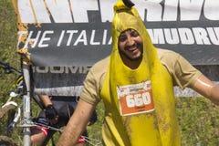 Mann gekleidet als Banane Lizenzfreie Stockfotografie