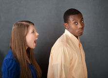 Mann ignoriert verärgerte Frau Lizenzfreie Stockfotos