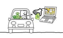 Mann im Auto und im Cybermarkt Stockbild