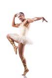 Mann im Ballettröckchen, das Balletttanz durchführt Stockfotografie