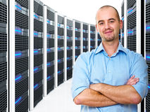 Mann im datacenter Stockfoto
