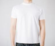 Mann im leeren T-Shirt Lizenzfreies Stockbild