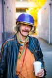 Mann im Sturzhelm Lizenzfreies Stockfoto