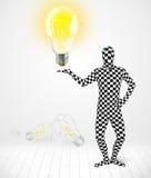 Mann im vollen Körper mit glühender Glühlampe Lizenzfreie Stockfotos
