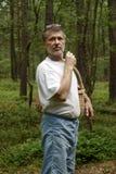Mann im Wald stockfoto