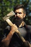 Mann im Wald Lizenzfreies Stockfoto