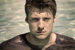 Mann im Wasser Lizenzfreies Stockfoto