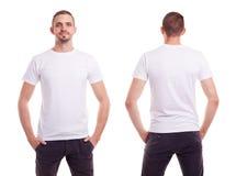 Mann im weißen T-Shirt Stockbild