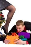 Mann lässt nicht die Geschenke Lizenzfreies Stockfoto