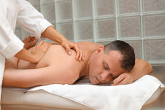 Mann-Massage stockbild