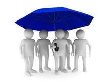 Mann mit blauem Regenschirm auf weißem Hintergrund Stockfotografie