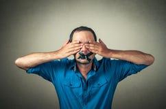 Mann mit dem aufgenommenen Mund Lizenzfreie Stockbilder
