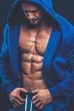 Mann mit dem muskulösen Torso Starkes athletisches Mann-Eignungs-Modell Torso Lizenzfreies Stockfoto