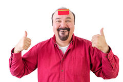 Mann mit den Daumen up und Kreditkarte auf Stirn Lizenzfreies Stockfoto