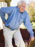 Mann mit den rückseitigen Schmerz Lizenzfreie Stockfotografie