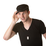 Mann mit der Hand auf Ohr lizenzfreies stockfoto