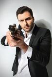 Mann mit einem Gewehr, lizenzfreie stockfotos