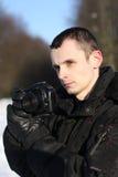 Mann mit Foto-Kamera Lizenzfreies Stockfoto