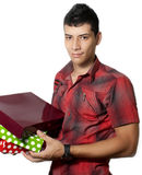 Mann mit Geschenken Lizenzfreie Stockfotografie