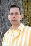 Mann mit Gläsern Lizenzfreie Stockfotos