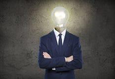 Mann mit Glühlampekopf Stockbilder