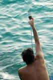 Mann mit Harpune lizenzfreie stockfotografie