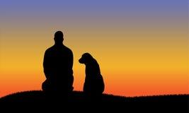 Mann mit Hund-silhouttes lizenzfreie stockfotografie